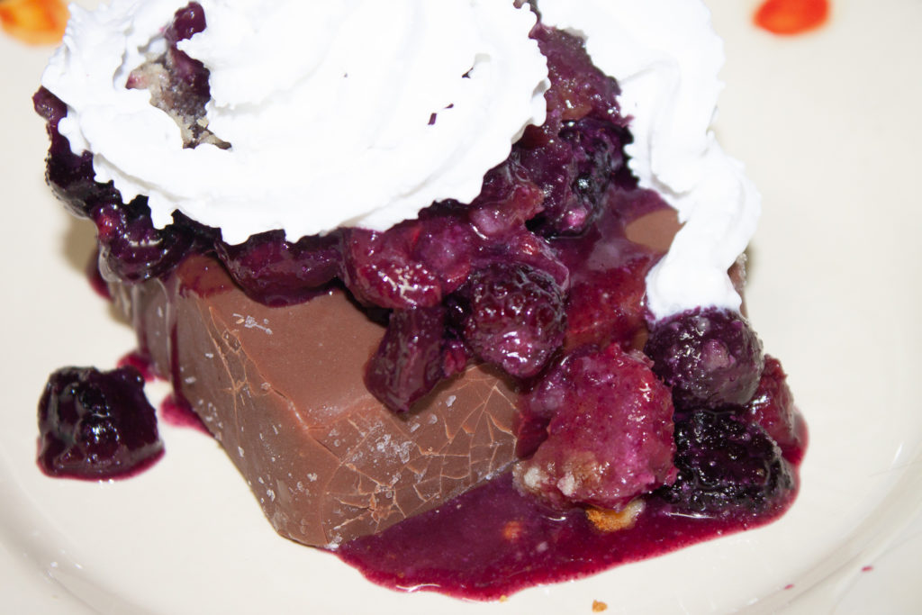 mixed berries crisp
